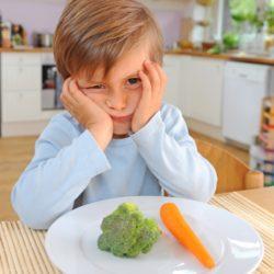 Sposób na niejadka – owoce w diecie dziecka